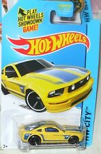 2015 Hot Wheels HW City #92-250 2005 Yellow Ford Mustang GT ML 4+ Diecast Boys