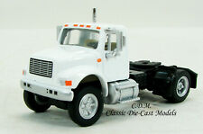 International 4900 Single Axle White Tractor 1/87 HO Walthers 949-11190