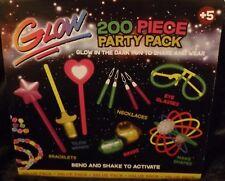 Paquete De Fiesta De 200 piezas Resplandor. para compartir y desgaste. Ideal para un Nuevo Años Eve Fiesta.