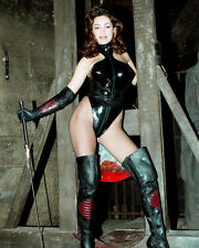 KELLY BROOK BUSTY 8X10 PHOTO WHIP LONG LEATHER BOOTS