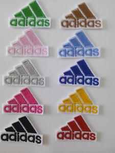 Parche bordado para Pegar o  coser estilo Adidas 4,5/3,5 cm adorno ropa