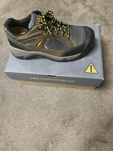 Keen Albany Men's Hiking Show - Mint Condition W/ Box