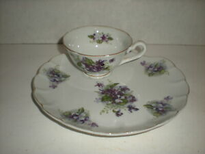 Lefton Teacup & Saucer Clamshell Snack Plate Footed tea cup Purple Flowers vtg