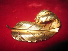 Crown Trifari Gold Tone Pin Brooch Signed Curling Feather Leaf RARE Vintage