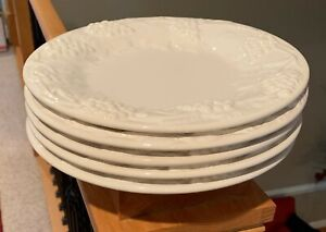 "Bordallo Pinheiro GRAPE WHITE 9 3/8"" Luncheon Plates Set of 5   NEAR MINT!!"