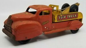 Vintage Lincoln Tow Truck Hook & Chain Tin Red Yellow 1950s Black Tires 2 Seat