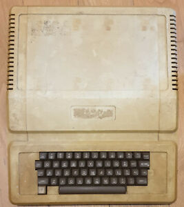 Apple II Plus Computer Rev 7 Untested/Spares/Repairs