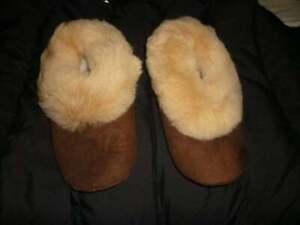 The best peruvian  Alpaca Brown Slippers - all sizes