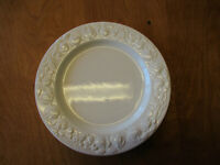 "Quadrifoglio QUD7 Italy WHITE EMBOSSED FRUIT Dinner Plate 10 3/8""  19 available"