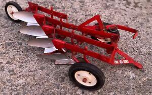 1960s Ertl Tru Scale red 4 bottom plow-estate fresh!