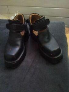 New Rock Sommer Schuhe Sandalen Gebraucht DIY Punk-cut Goth Batcave 42/43