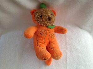 Galerie teddybear ,press his Hand and he giggles And Says Happy Halloween !