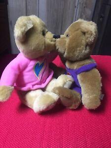 Kissing Bears Set Hallmark Cards Brown Plush Kiss Magnetic Noses Stuffed Animal