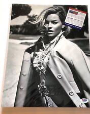 Elizabeth Banks Autographed PSA DNA PHOTO 11x14 Signed AUTO Sexy