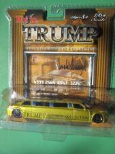 Maisto DONALD TRUMP 1:64 Chrysler 300C Hemi GOLD LIMOUSINE diecast MIP 2006