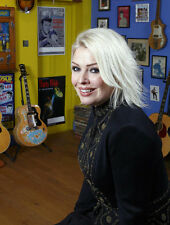 Kim Wilde UNSIGNED photo - 8653 - GORGEOUS!!!!!