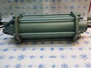 Norpac Hydraulic cylinder 1204768 5x10 E  CL1N