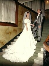 Beautiful White Wedding gown off the shoulder size 6-8 with veil