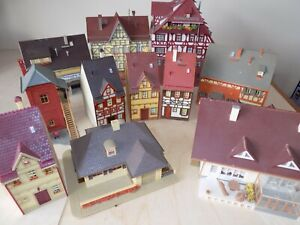 Joblot of 11 x HO scale buildings - various types