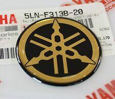 1 X 100% Genuino Yamaha 40 mm diapasón calcomanía emblema Negro/Oro Insignia de la etiqueta engomada