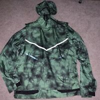 Nike Tech Pack Men's Hooded Running Jacket Tomatillo Green BV5679 355 Size Large