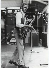 CHUCK BERRY PHOTO 1982 HUGE 12 INCHES VINTAGE UNIQUE IMAGE B& W PHOTO VALUABLE