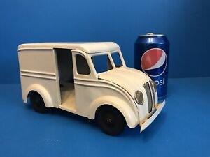 Vintage 1930's Kingsbury Borden's Milk Truck - Press Steel - Windup