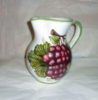 Brocca da litri 1,5   in ceramica Sorrentina disegno uva  altezza cm. 20