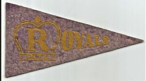 1936-37 BF3 Pennant Type 11 Montreal Royals - International League - NM.