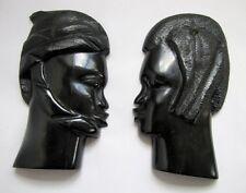 Paire de Bustes Africains Anciens en Ebène Bois Noir Sculpté Homme Femme Mural