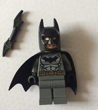 LEGO BATMAN DC Comics Minifigure Grey Suit Gold Belt Batarang NEW