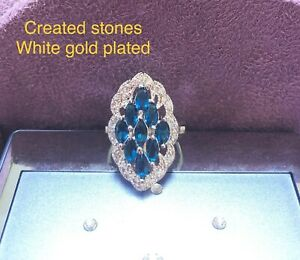 9 marquise sapphire DEC0 claster ring size N 7