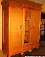 Original Fassadenschrank, 3türig, Weichholz restauriert