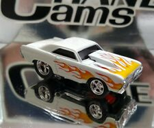 MUSCLE MACHINES 1/64 '68 DODGE HEMI DART ADULT COLLECTIBLE WHITE WITH FLAMES