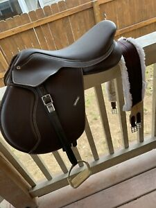 Wintec 500 Flocked Close Contact All Purpose Saddle; 17in Seat *New Condition*