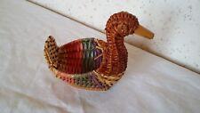 Objet déco Figurine mini corbeille Canard  de 11 cm de long