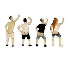 BLMA 900 Figures - People Mooning (4)