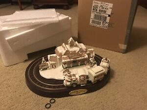 2002 Avon Holiday Express Porcelain Christmas Train ~Music Sound Motion ~WORKS