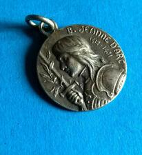 Médaille Pendentif Ancienne Jeanne d'Arc Métal Argenté