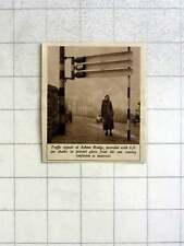 1939 Traffic Signals At Ashton Bridge With Six-foot Eye Shades To Prevent Glare