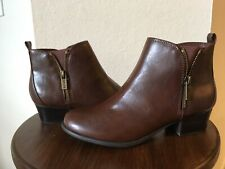 UNISA Women Size 6.5M Side Zip Ankle Boots Brown Faux Leather - Bootie