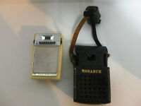 Vintage Monarch 6 Transistor Radio w Original Leather Case and Ear Phones P&R