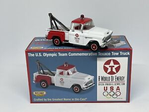 Matchbox YYM37799 1955 Chevy 3100 Tow Truck Texaco 1:43 scale 1998 Release