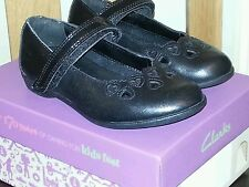 Brand New Girls Clarks Black Leather Shoes Size 7G
