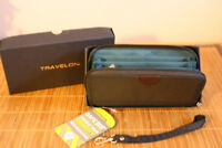 NEW Black Travelon RFID Wallet with Removable Wristlet Strap & Gift Box