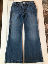 The A&F Boot Abercrombie & Fitch Low Rise Boot Cut Jeans Size 4 Med. Wash