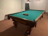 Pool Table 9 Foot Golden West Billiards Inc. Gorgeous, Good Condition