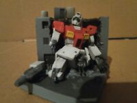 Bandai Gundam GM Battle Damaged Diorama Gachapon Figure 4.5CM