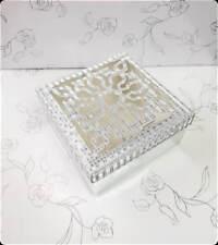 Boite à Gâteau Forme Cadeau Blanc pour Mariage ou Baptême x25