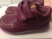 Clarks Children's Cloud Mist First Shoes UK 6Jnr Fit G EU 22.5